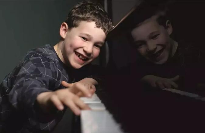 钢琴消毒方法,钢琴保养方法,钢琴调律维修电话15830649179